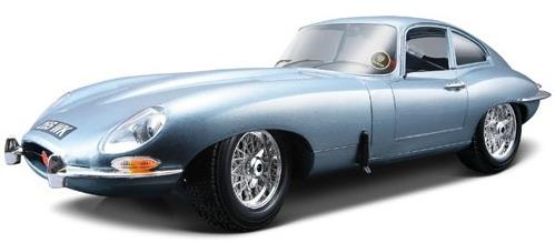 Jaguar E-type coupé (1961), light blue metallic - 1:18 - Bburago