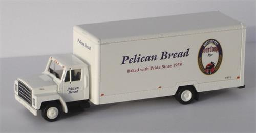"International, Box Van ""Pelican Bread"" - H0 - Con-Cor"