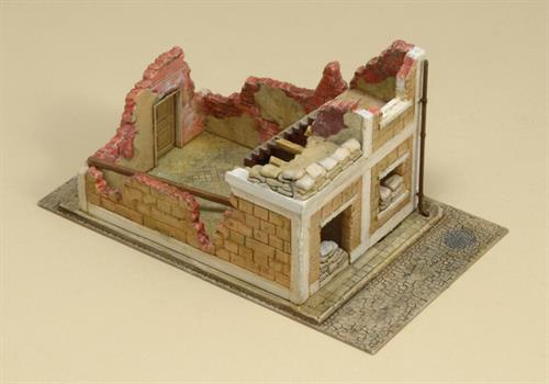 Wrecked House - 1:72 - Italeri