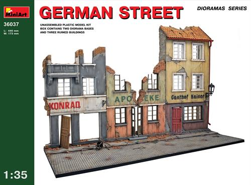 Diorama w/German Street - 1:35 - MiniArt