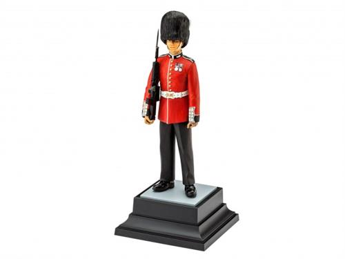 Queen's Guard - 1:16 - Revell