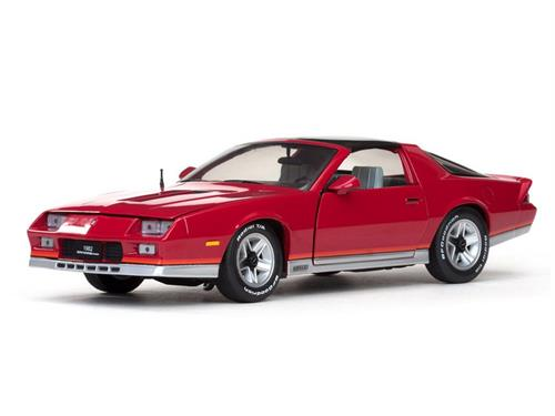 1982 Chevrolet Camaro Z/28, spectra red - 1:18 - Sun Star