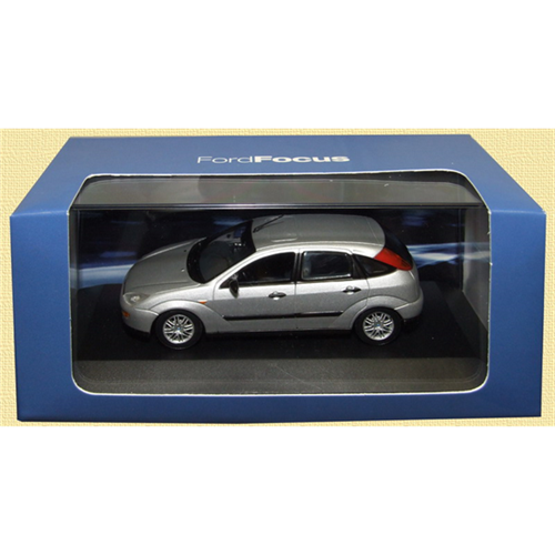 Ford Focus Mk1 (2002) 5dr, silver - 1:43 - Ford (Minichamps)