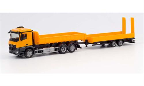 Mercedes-Benz Arocs M roll off truck with deep loading trailer with ramps, communal orange - 1:87 / H0 - Herpa
