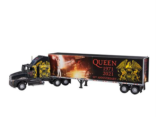 3D puzzle QUEEN Tour Truck - 50th Anniversary - Revell