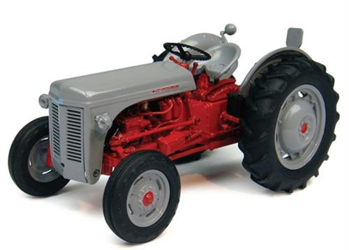 Ferguson FF30 DS (1957) - 1:32 - Universal Hobbies